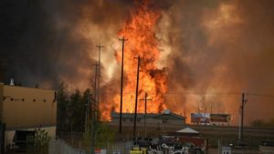 160504083443_cn_fort_mcmurray_wildfire_01_640x360_reuters_nocredit